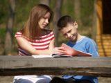 Rodzice i nastoletnie dzieci